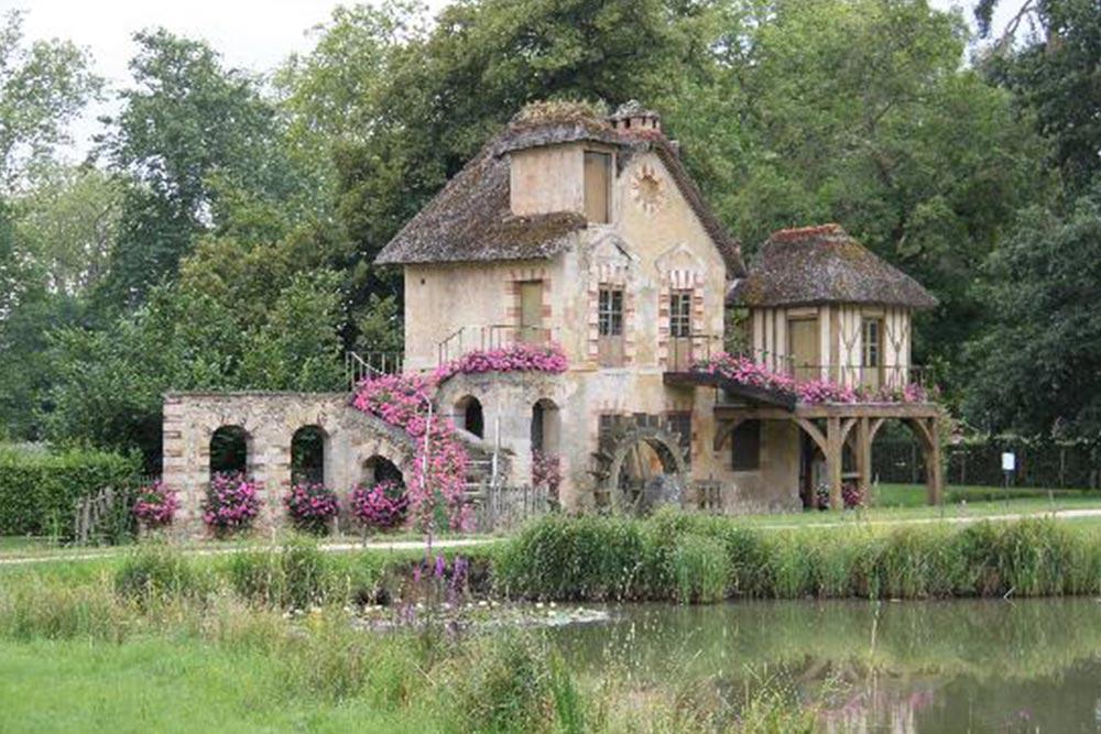 404 marie antoinette's peasant village at versailles 01