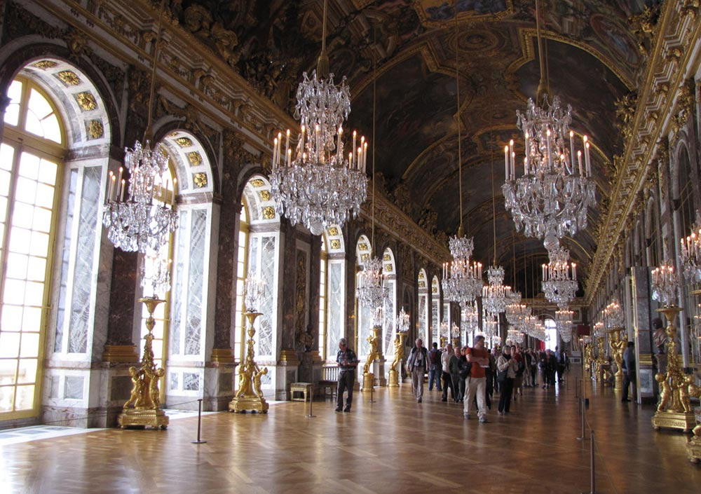 406 hall of mirrors 01